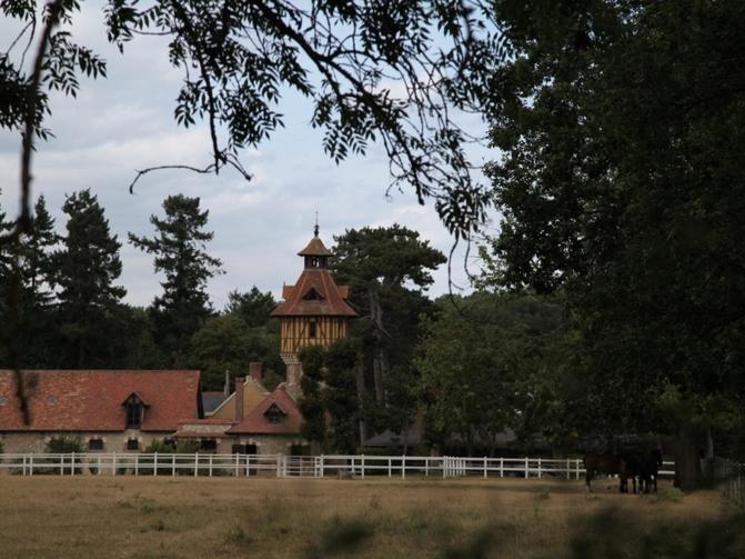 Randonn e cheval autour du village d 39 emanc dans le sud for Balade dans les yvelines